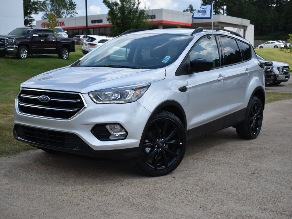 Used 2017 Ford Escape SE Front-Wheel Drive SE SUV For Sale Oxford, MS