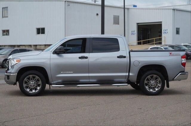 Pre-Owned 2016 Toyota Tundra 2WD Truck 2WD CrewMax Short Bed 4.6L SR5 (GS)