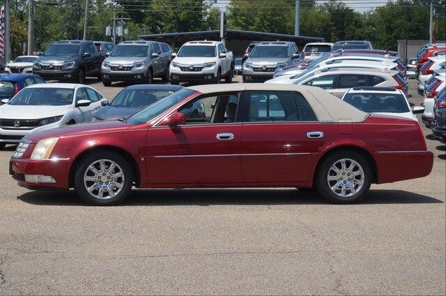 Pre-Owned 2008 Cadillac DTS 4dr Sdn w/1SC