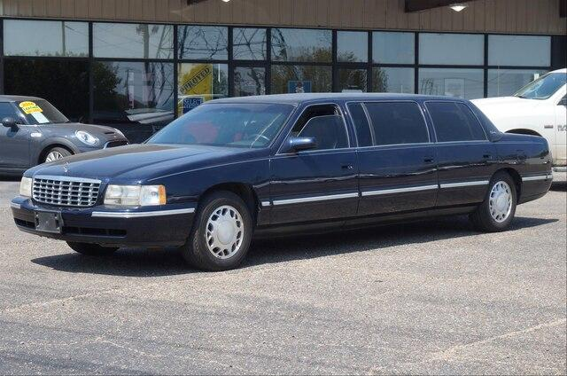 Pre-Owned 1999 Cadillac DeVille Professional 4dr Sdn Limousine