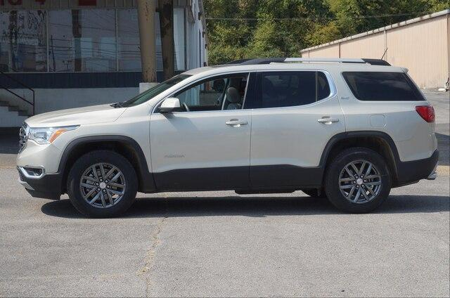 Certified Pre-Owned 2017 GMC Acadia FWD SLT-1