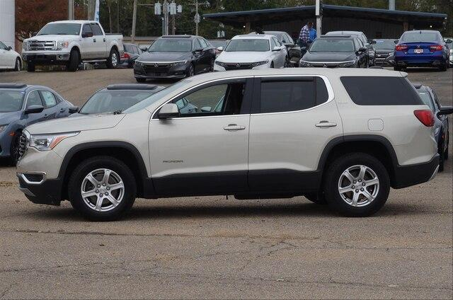 Pre-Owned 2017 GMC Acadia FWD SLE-1