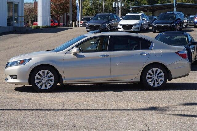 Pre-Owned 2015 Honda Accord Sedan EX-L CVT PZEV